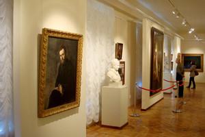 Музей ИЗО. Стационарные стенды для экспонирования