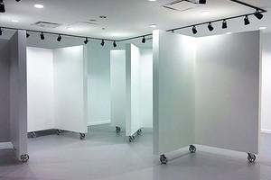 Мобильные стенды для картин